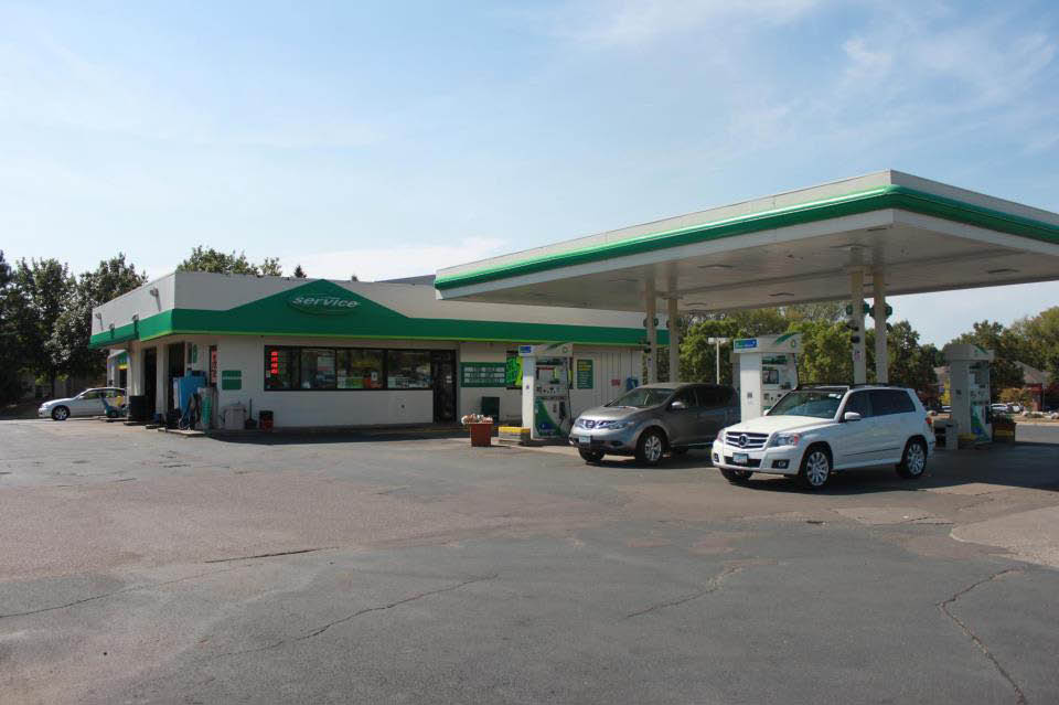 Eagle Lake BP Auto Care and Gas Station