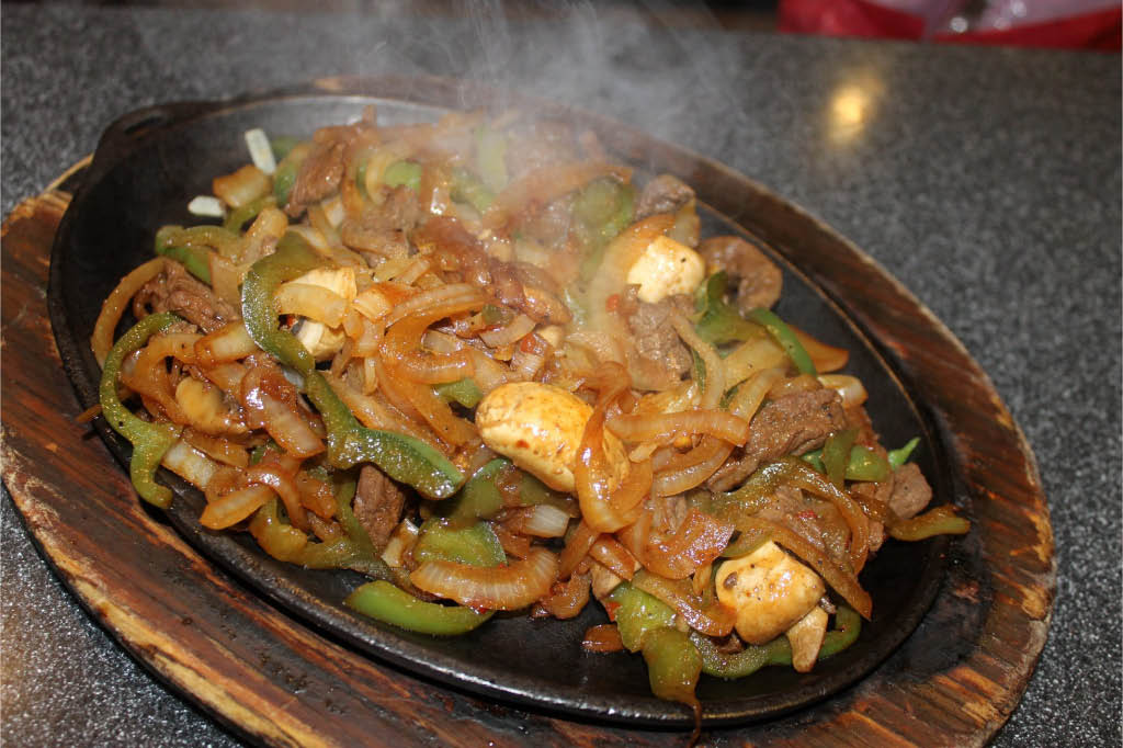 Mexican Cuisine, burritos, tacos, family, friendly, combinations, fajitas, chicken, beef, seafood, authentic