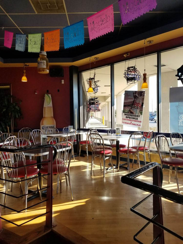 elite cafe & billiards interior