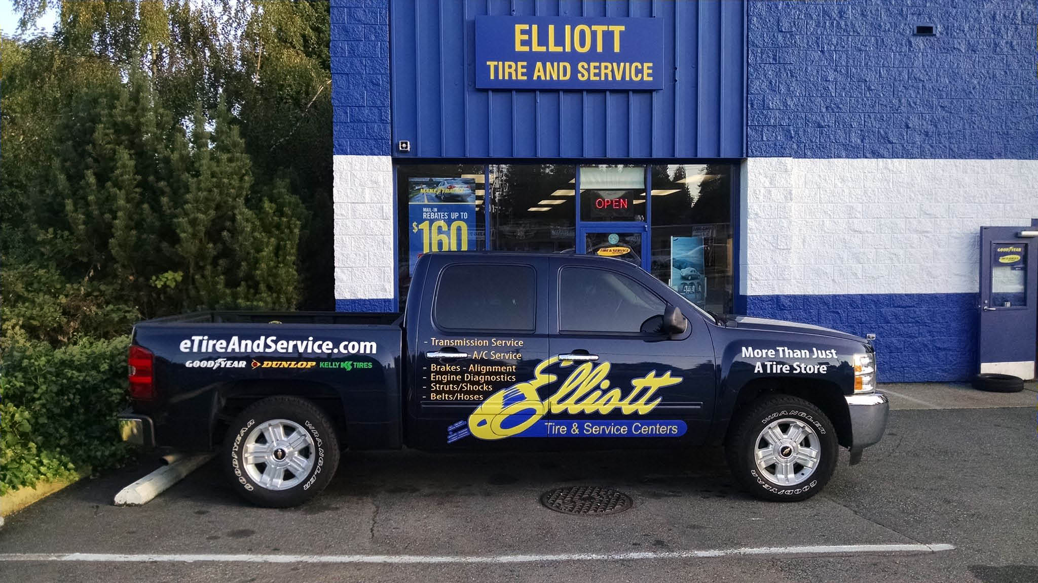 Elliott Tire & Service Centers employ the best car mechanics to provide excellent customer service