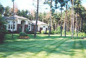 photo of yard maintained by Ever So Green in Howell, MI