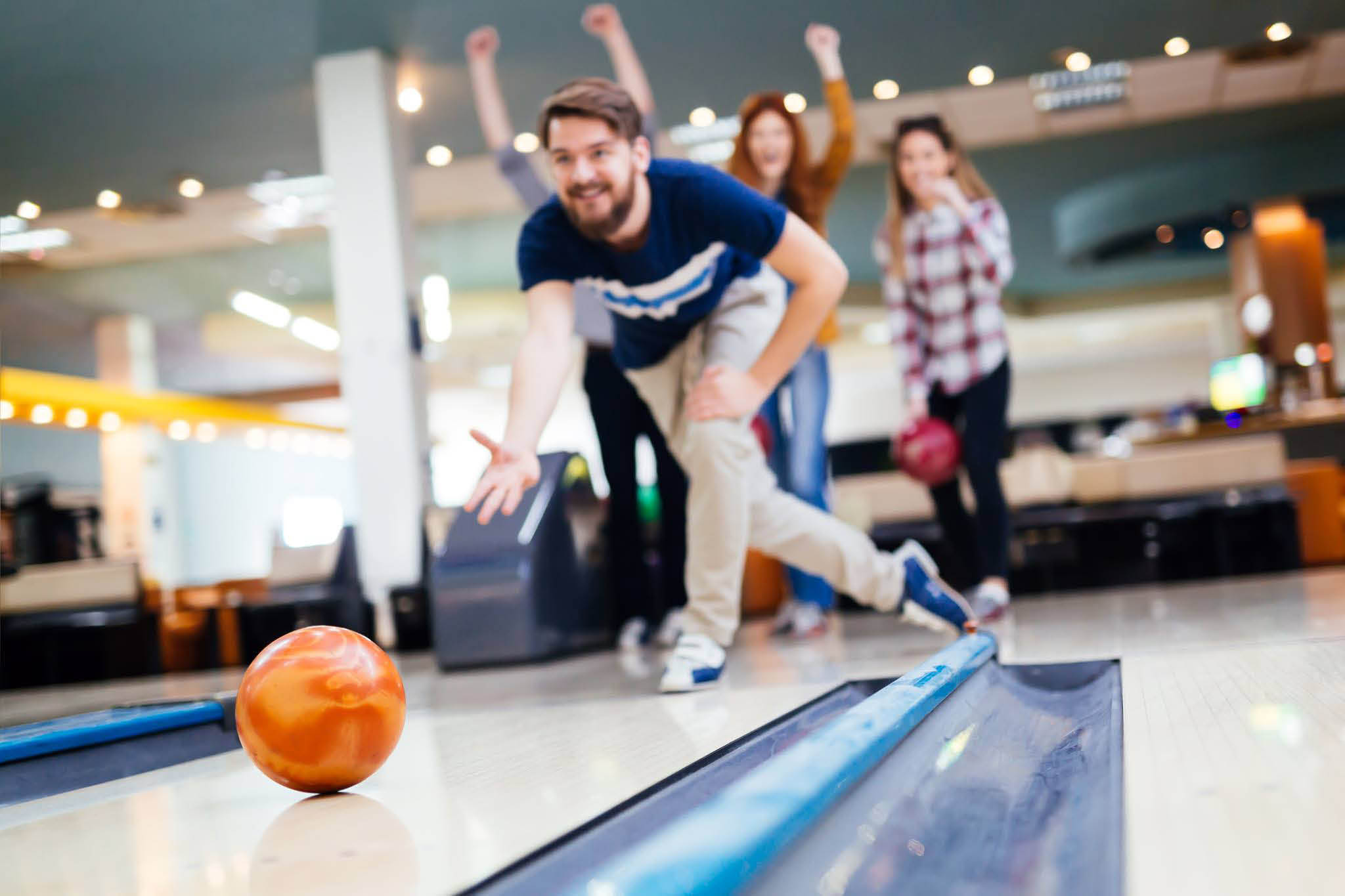 Enjoy a great time bowling at Evergreen Lanes in Everett, WA - bowl with friends - bowl with family - plan a bowling party at Evergreen Lanes