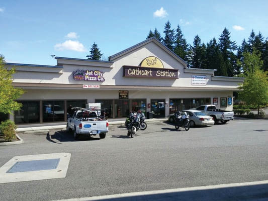 Outside Jet City Pizza at Cathcart Station in Snohomish, WA - pizza near me - dining near me - Snohomish pizza restaurants near me - pizza coupons