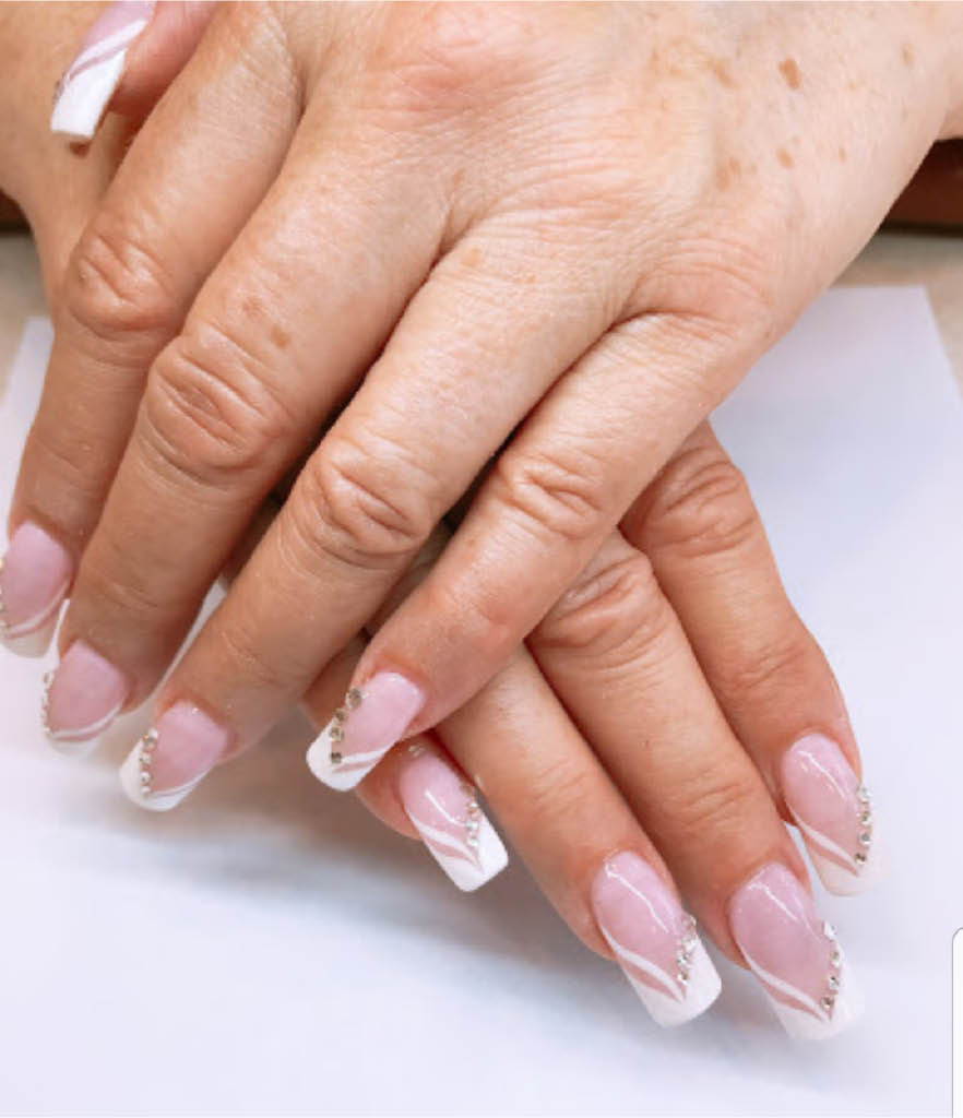 Fancy-french-manicure