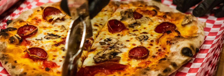 Fat Zach's Pizza in Sumner, WA banner image