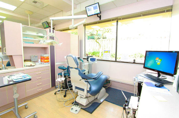 Clean, warm and inviting dentist office in Federal Way, Washington - Dr. Kenneth Brossel, DDS