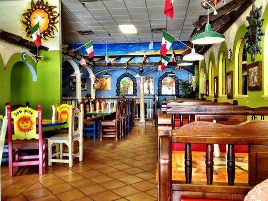 Las Mananitas Mexican Restaurant dining area