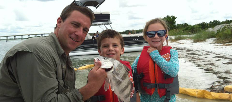 Freedom Boat Club Seattle - go fishing with the kids