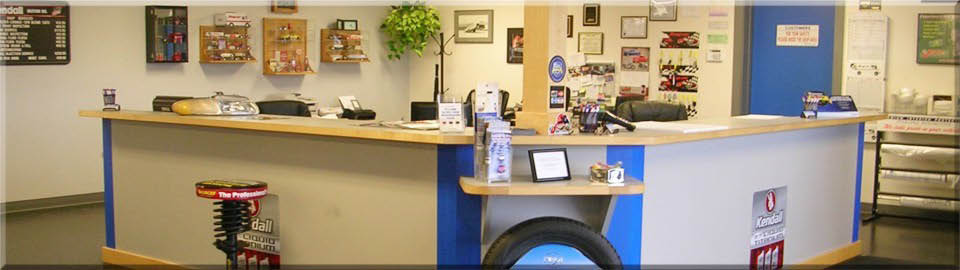 Front customer service desk at Sterling Automotive Service Inc in Edgewood, WA - general auto repair - Edgewood auto shop