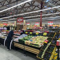 Aisles of fresh fruits and veggies at Grocery Outlet Bargain Market in Palmyra, PA