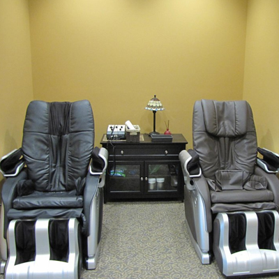 Gavric Chiropractic near Franklin specializes in Body Massage Chairs