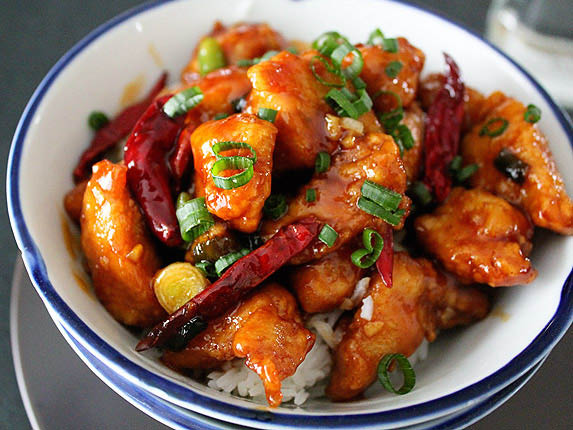 Moon Star Chinese Restaurant in Ferry Farm has General Tso's Chicken