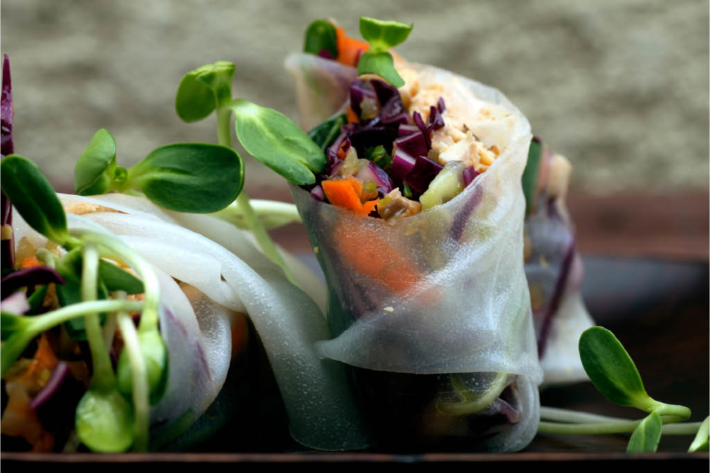 banh lao and thai spring rolls