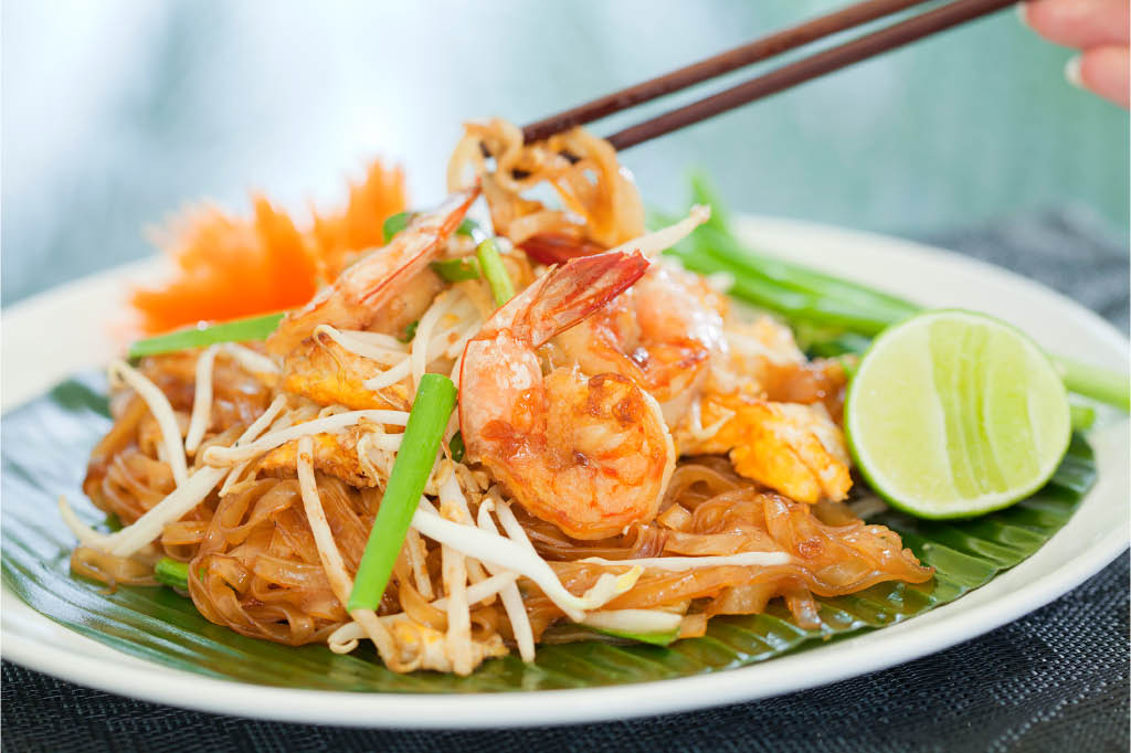 banh lao and thai pad thai