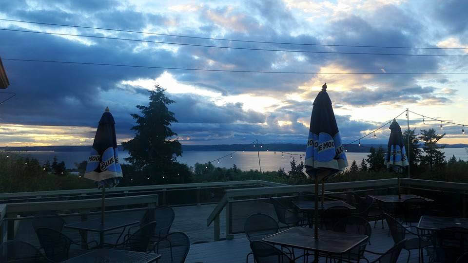 Spectacular views outside Verrazano's Italian Restaurant in Federal Way, Washington - Italian restaurants near me - Italian dining near me - Italian dining coupons near me - Italian restaurant coupons near me
