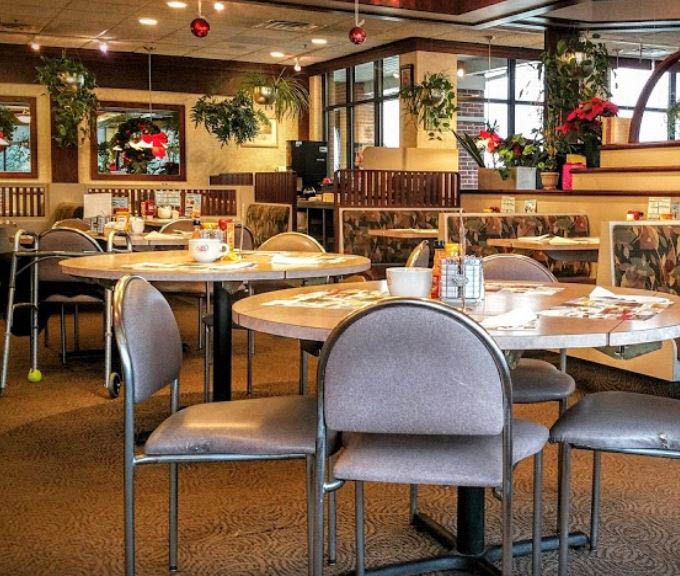 photo of the interior of Great Lakes Family Dining in Sterling Heights, MI