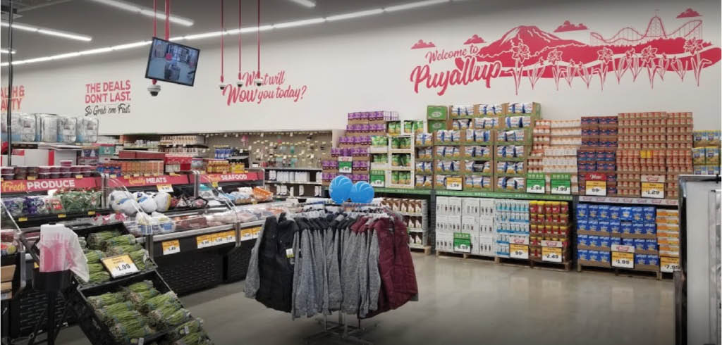 Customers in the aisles at the West Kent Grocery Outlet - Puyallup, WA - Grocery Outlet coupons