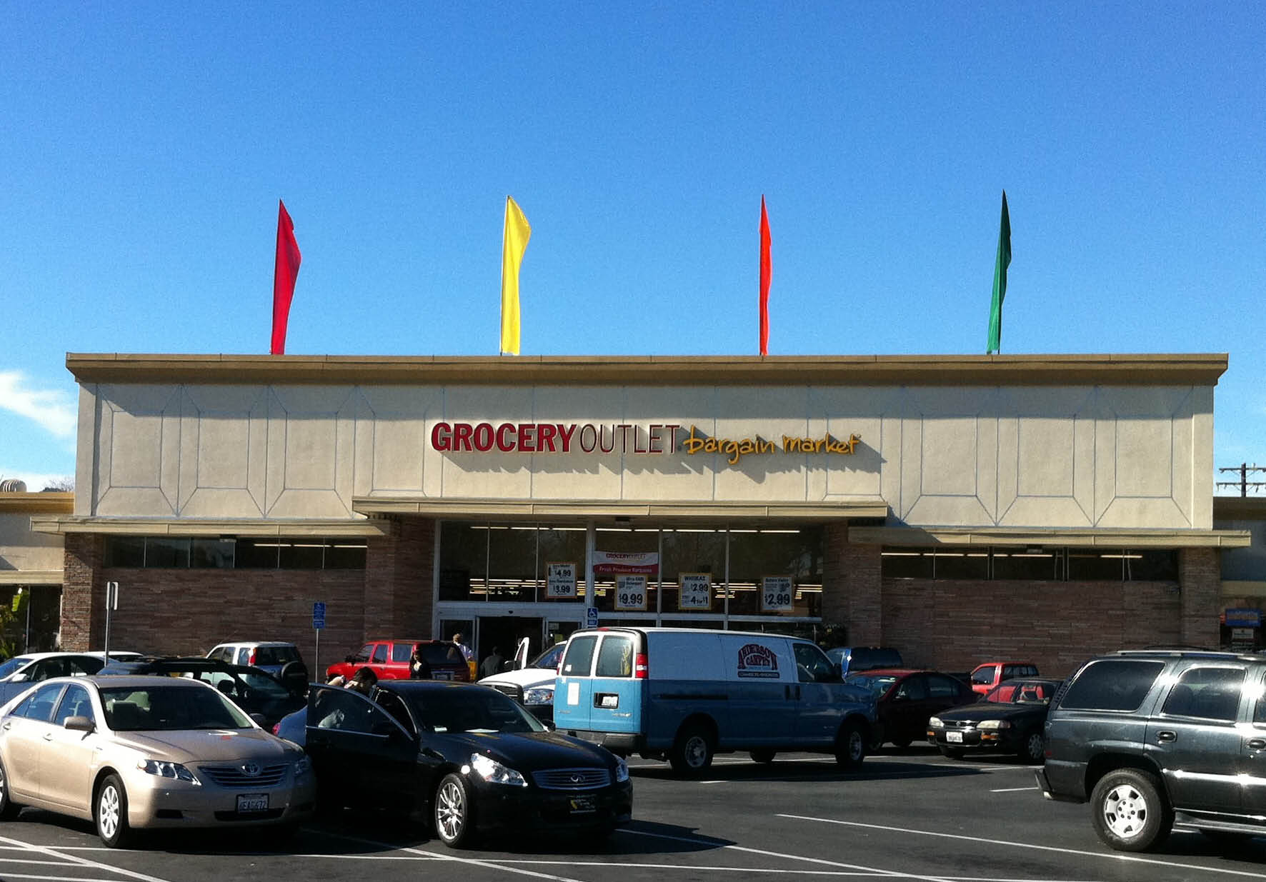 Grocery outlet in Contra Costa County