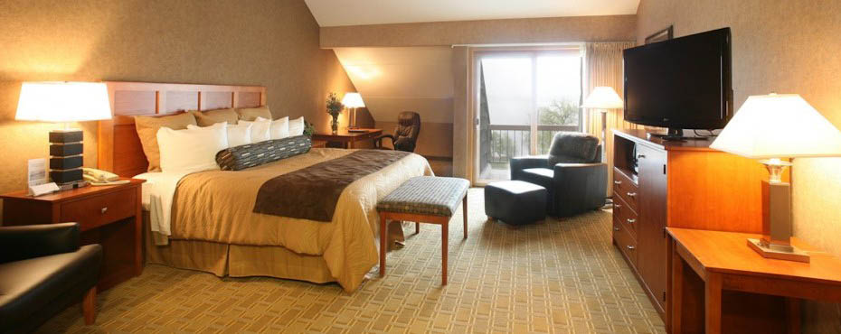 Guest Room at Arrowwood Resort Alexandria