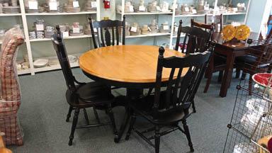 Furniture-Items-at-Habitat-for-Humanity