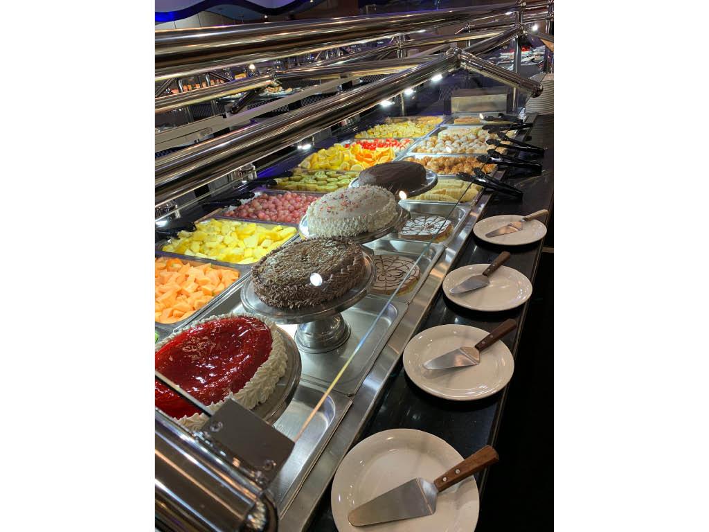 Cheese cake, fresh fruit, cakes, deserts