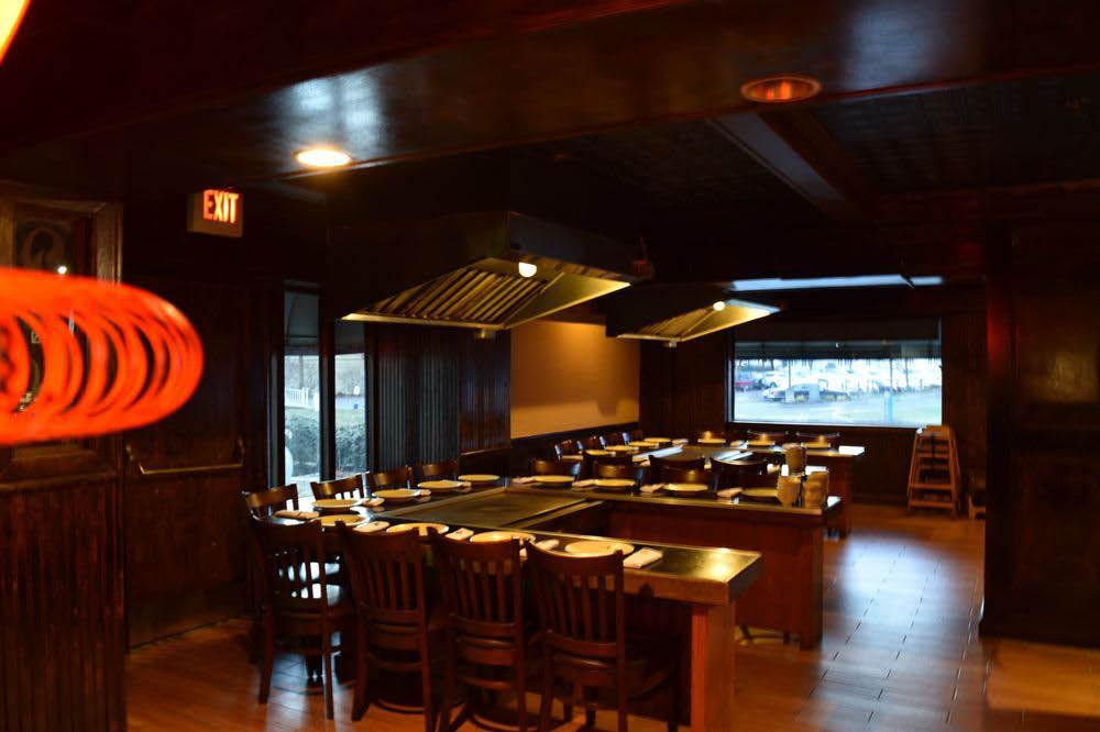 Hibachi Sushi Ya main dining room