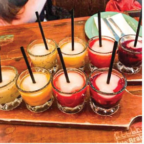 Bar, bars, pubs, Pub, Club, Nightclub, Grill, Alcohol, Beer, Wine, Tequila, Whisky, Rum, Vodka, Gin, Brandy, drinking, drink, 21, Liqueurs Vermouth, restaurant,
