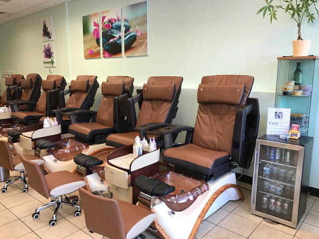 Image Nails & Spa seating and technician area near Warrenville