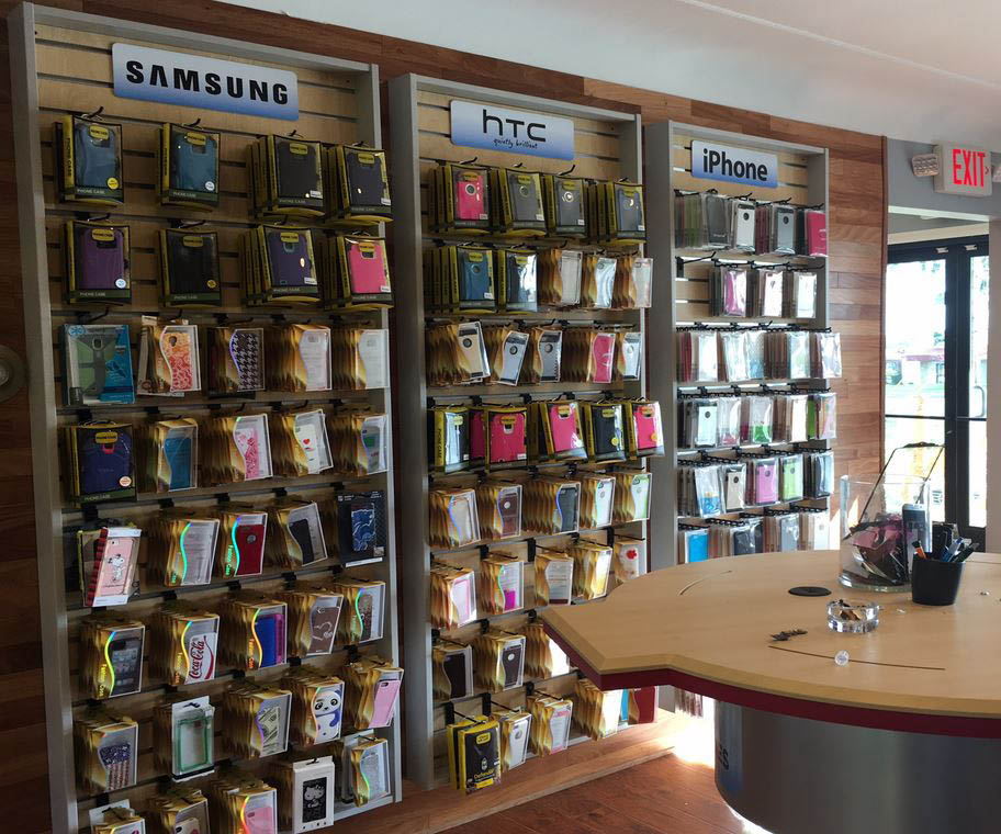 photo of interior of I Repair & Accessories in Flint, MI
