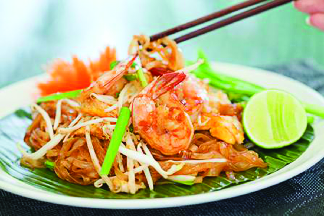 Shrimp Pad Thai with lime near Northbrook, IL
