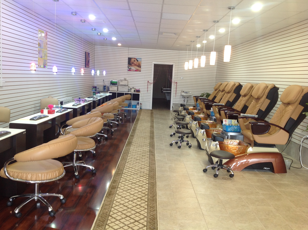 Photo of manicure chairs and pedicure chairs at Jin's Nail Spa in Allison Park PA