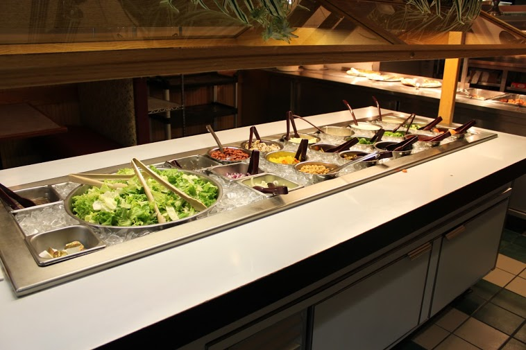 Salad bar buffet and Italian cuisine in Arlington, VA.