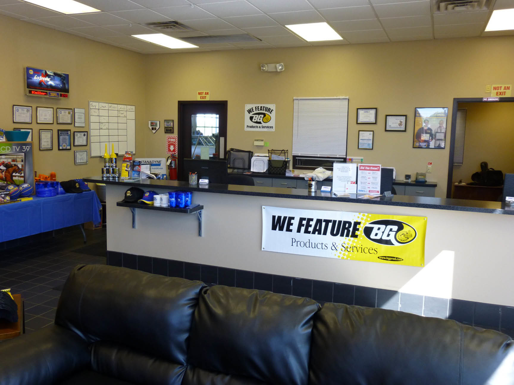 Keller's Professional Auto & Diesel auto repair waiting area Aurora CO