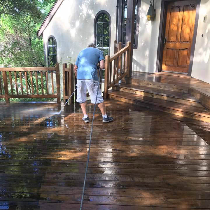 Call Kevin Fye for deck cleaning and staining in Petaluma, CA