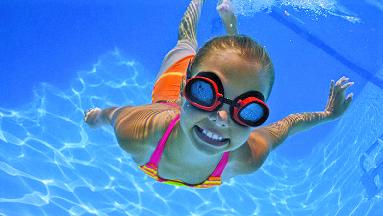 girl at kids first swim school commack