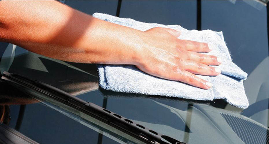 Kwick 'n Kleen gentle, brushless car wash in Edmonds, WA