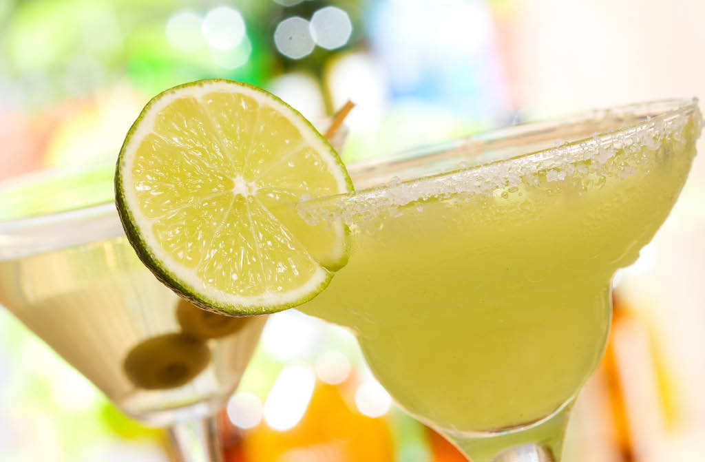 Delicious margaritas served at La Hacienda Mexican Restaurant in Everett, Washington - cantina - full bar - beer - wine - cocktails - Mexican food near me - dining near me - dining coupons near me