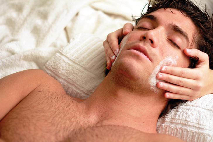 LaVida Spa offers facial services for men and women