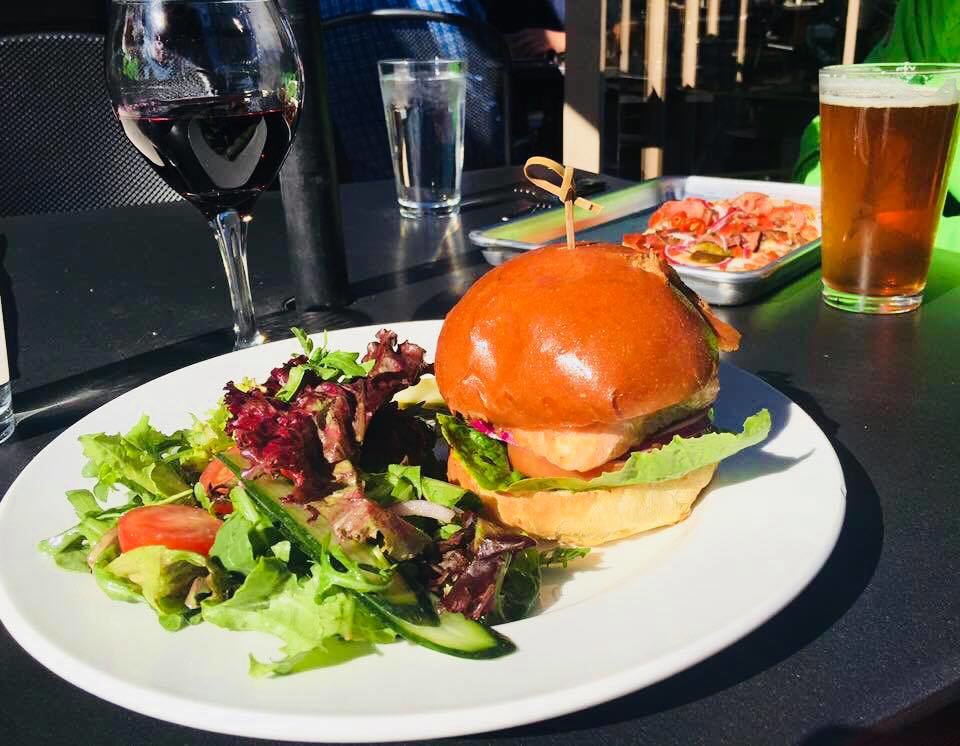 Burgers - sandwiches - fries - appetizers - salads - Island Lodge by Al Lago - restaurants in Lake Tapps, WA - Lake Tapps dining coupons near me - restaurant coupons near me