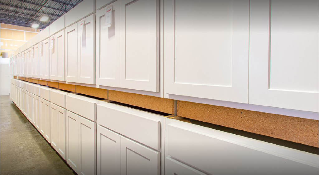 Huge selection of cabinets at Huntwood Cabinet Outlet in Lakewood, Washington - buy cabinets near me - cabinetry stores near me