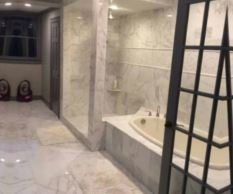 photo of bathroom tile floor from Leon's Flooring Outlet in Livonia, MI