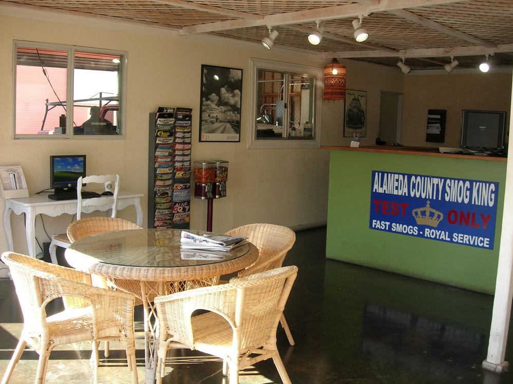 Smog King customer lobby/lounge area in Pleasanton, CA
