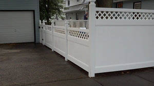 Railing, fences, installation, wood fence, iron, chainlink, pvc, picket, backyard, yard, simtek, fence design, balcony fence, wood, stained, staircase, natural rock, aluminum fence, front gate, fence gate, stair railings, planning, design, staten island