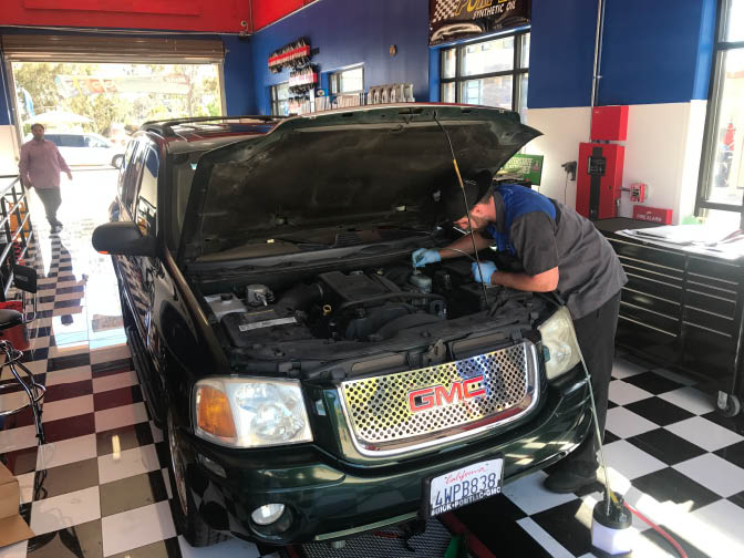 Full Service Oil and Lube Center Near San Pasqual