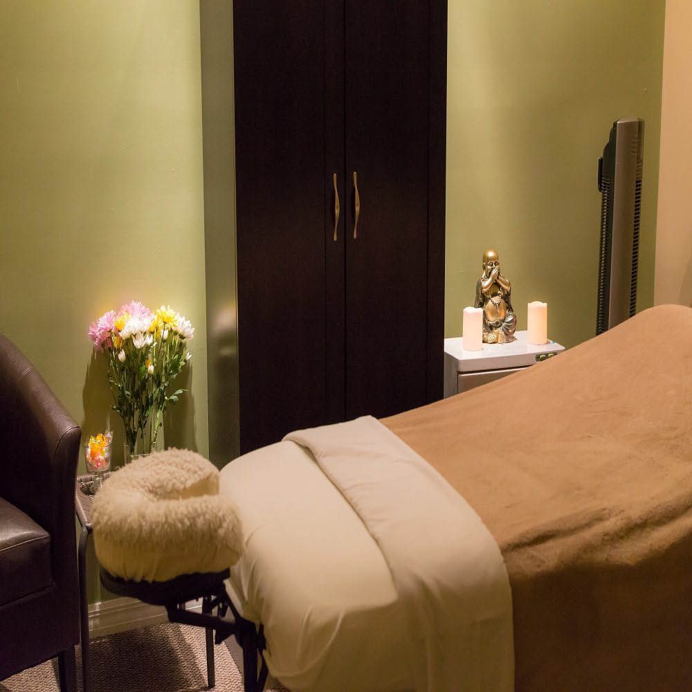 MASSAGE AND WELLNESS SPA, INTERIOR OF MASSAGE ROOM PHOTO