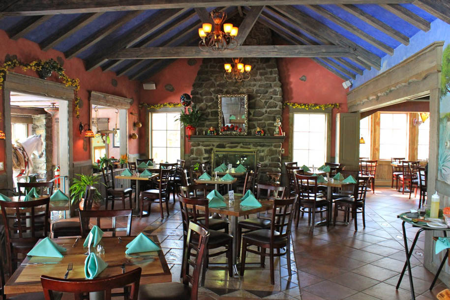 Las Mananitas Dining Room