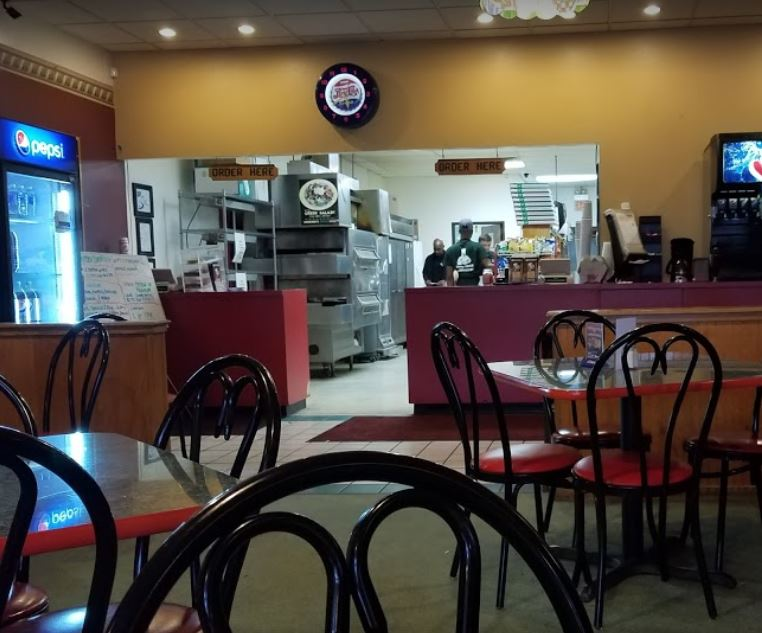 photo of interior of Mancino's of Taylor in Taylor, MI