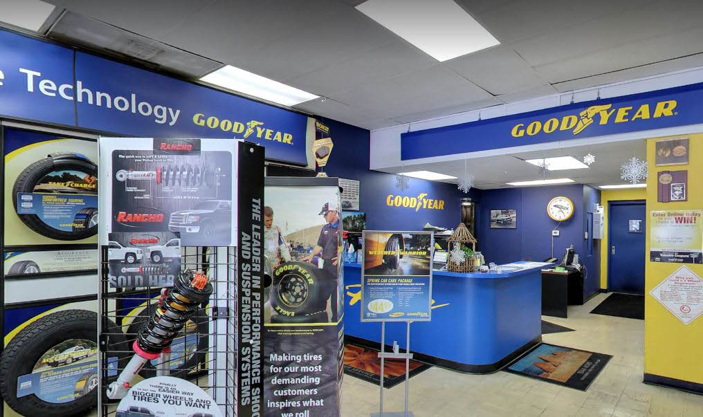 photo of service desk at March Tire Co. in Plymouth, MI