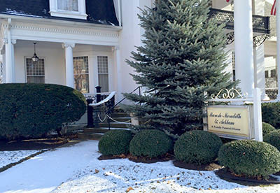 Maresh Meredith & Acklam Funeral Home Exterior Picture