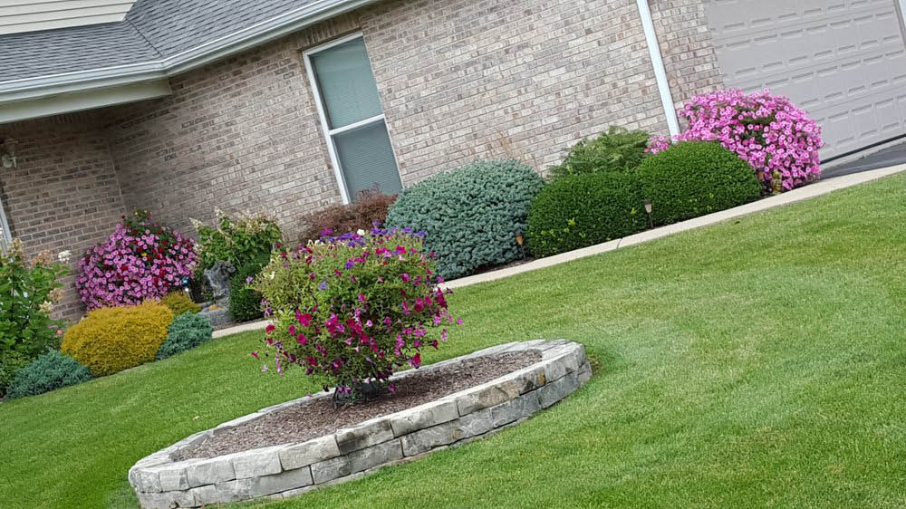 We specialized in landscaping, landscaping design, and lawn care work.